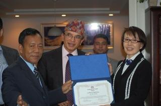 ネパール表彰4